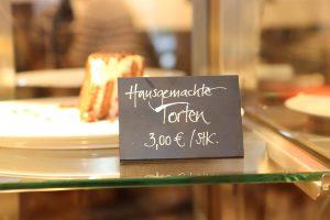Hausgemachte Torten aus dem Hofladen Mangelsen